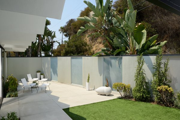 This private outdoor space would be otherwise unavailable within a hillside home.