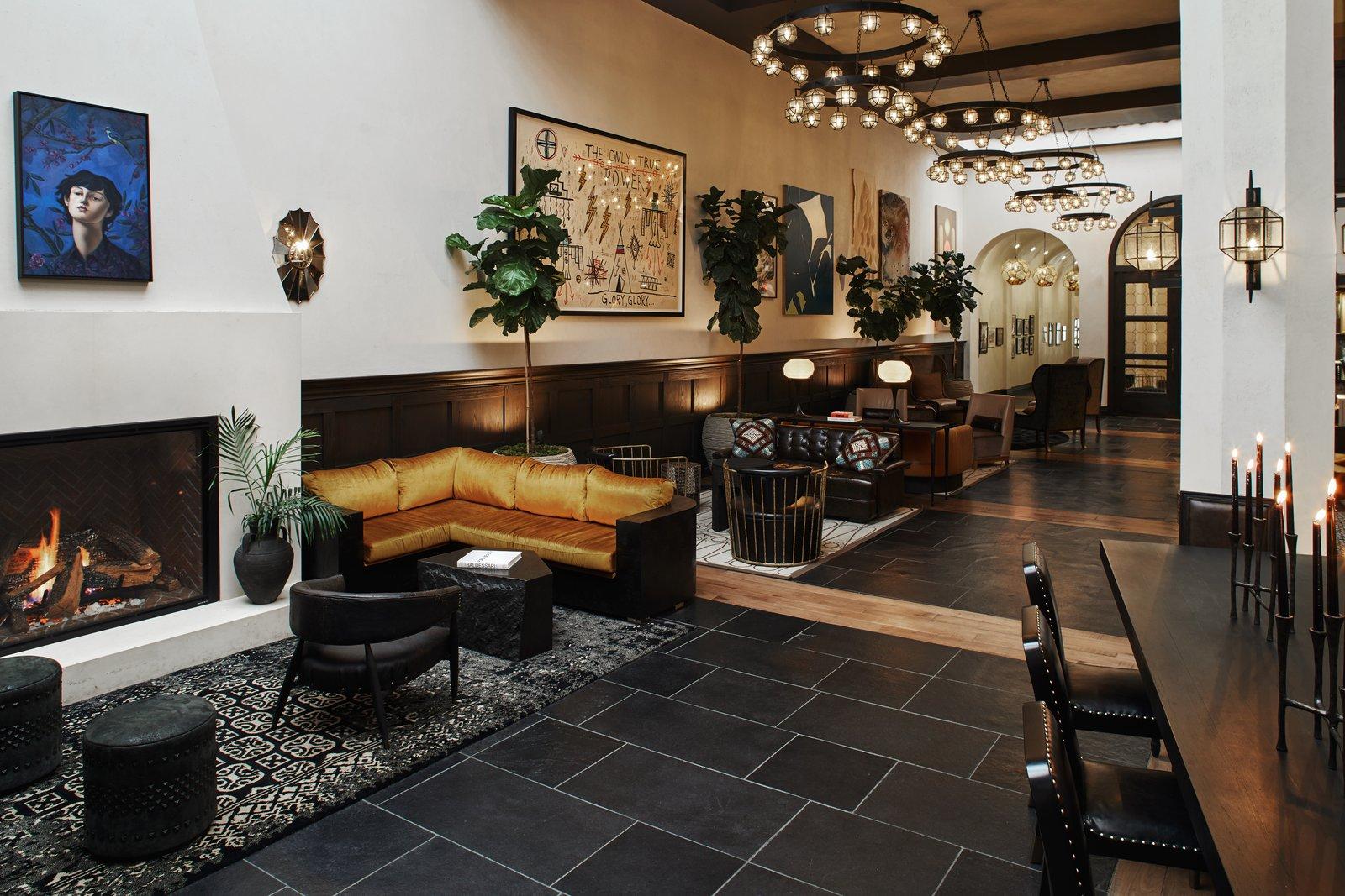 Hotel Figueroa lobby