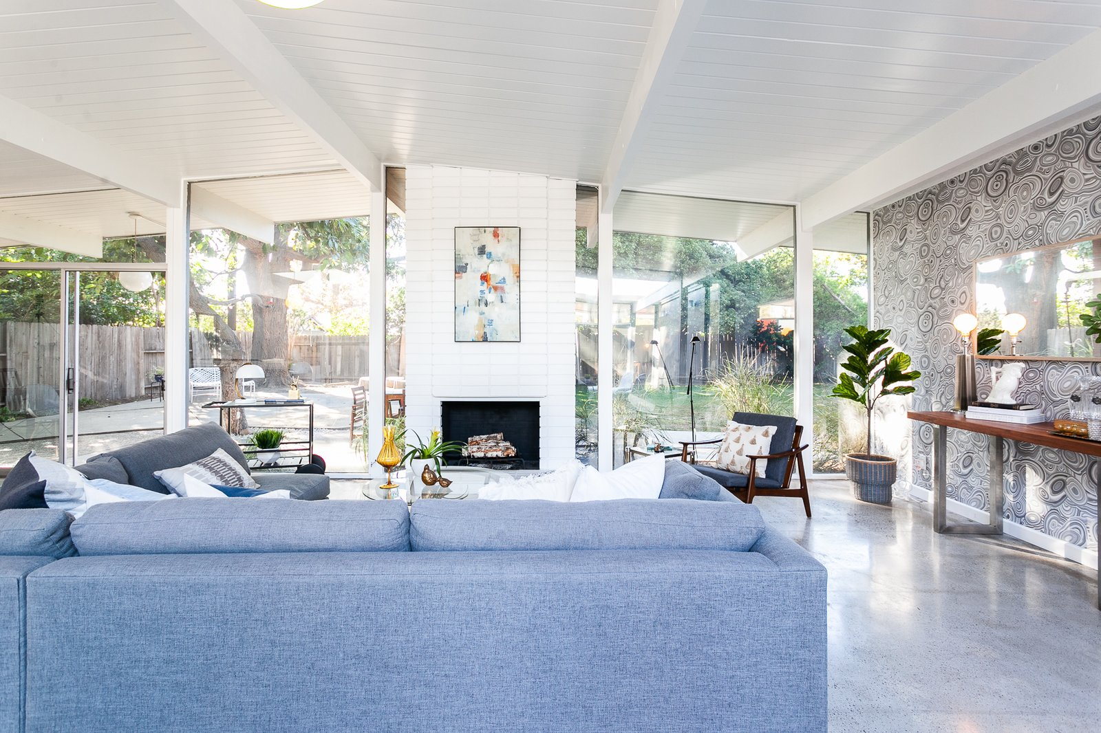 This Light-Filled Orange County Eichler Home Just Listed For $1.1M
