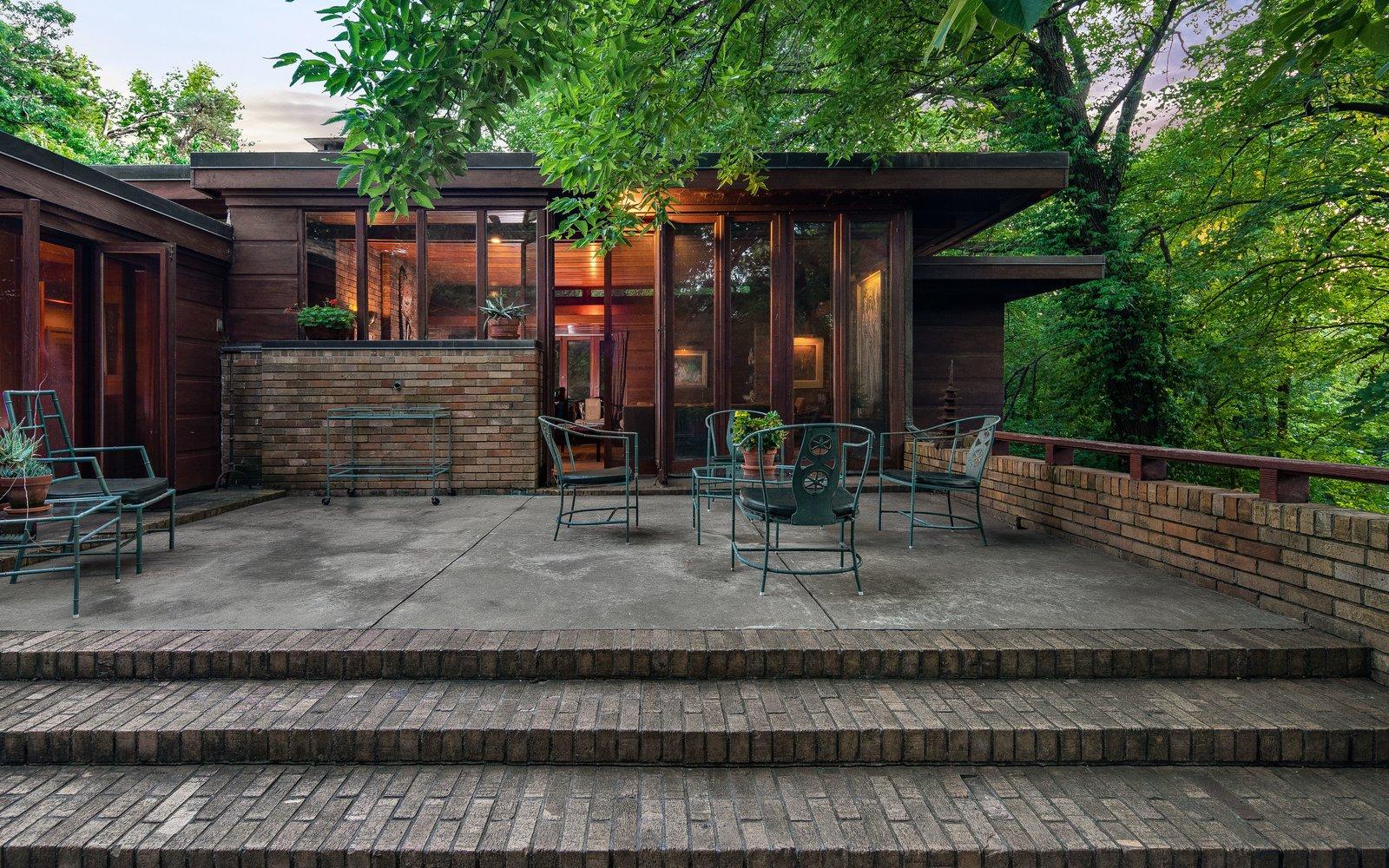 Sondern-Adler house exterior courtyard