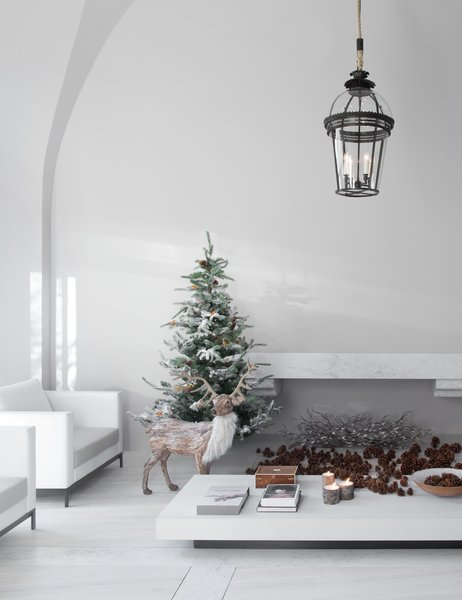 By using the same tones throughout the apartment, Alan unifies the residence; creates the illusion of more space; and allows for greater depth, texture, and warmth to be added to each individual room. It also helps serve as the perfect backdrop for elegant and understated holiday decor.