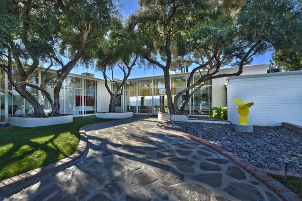 Frank Sinatra's legendary Byrdview estate has hit the market.