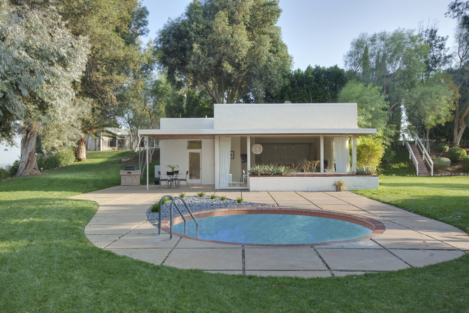 Byrdview Frank Sinatra estate guest house with pool