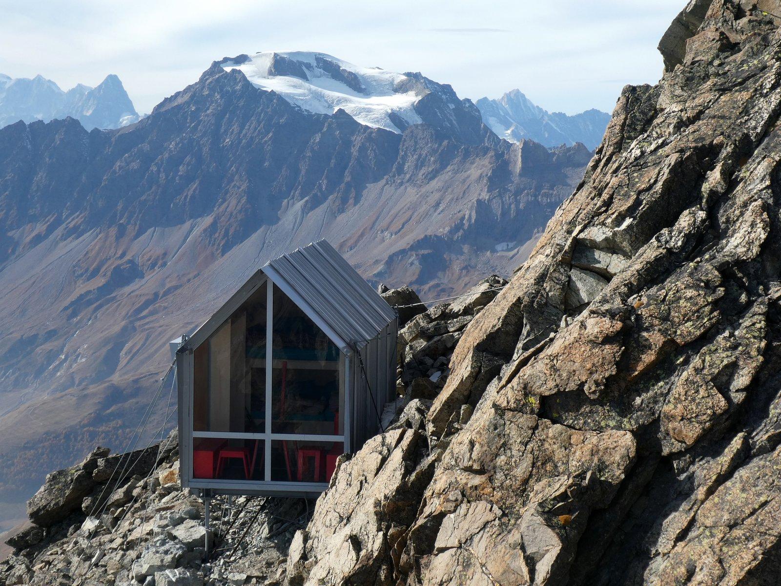 Bivacco Luca Pasqualetti al Morian exterior with alpine views