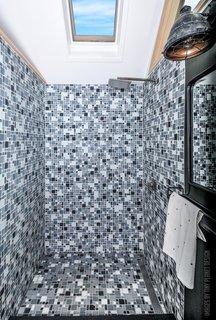 Cool Best 36 Modern Bathroom Glass Tile Walls Design Photos And Home Interior And Landscaping Pimpapssignezvosmurscom