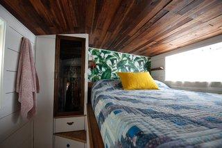 Kell's bedroom.