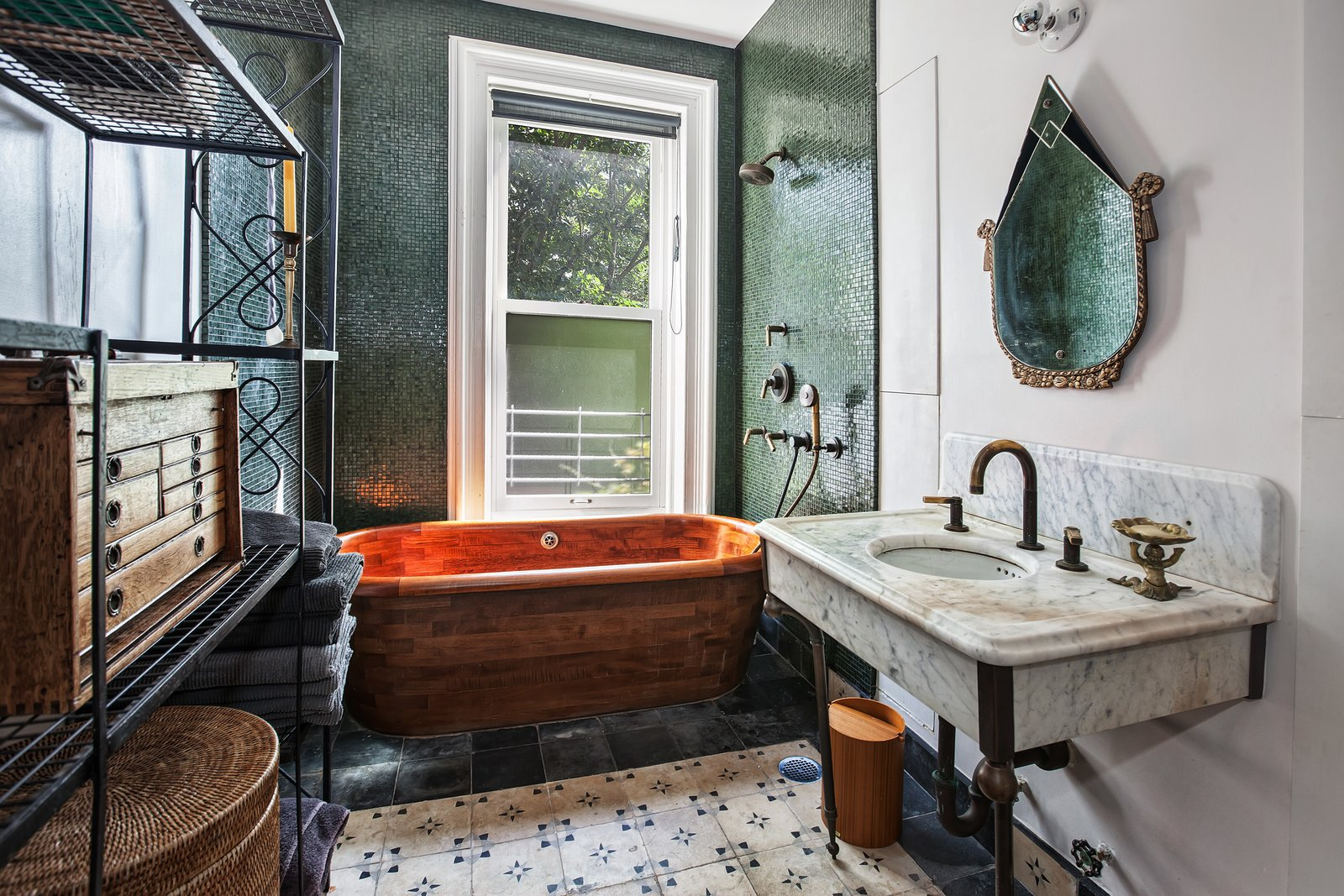 Maggie Gyllenhaal and Peter Sarsgaard's Park Slope Townhouse master bath
