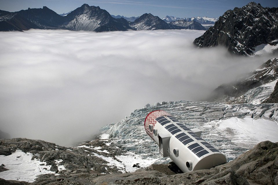Refuge Gervasutti Alpine Hut exterior