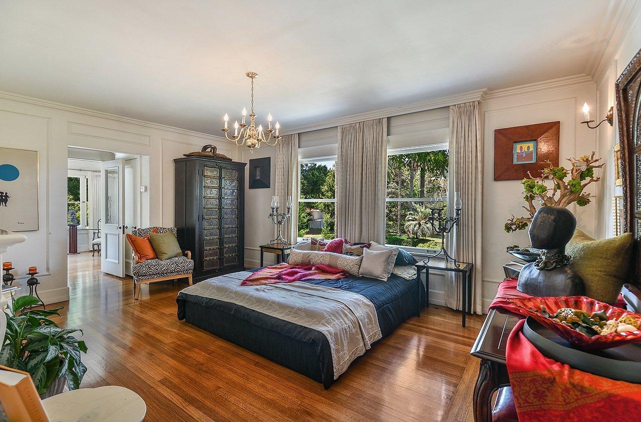 Muhammad Ali Hancock Park mansion bedroom