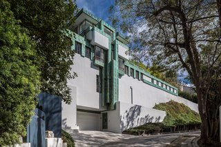 A street view of the Samuel-Novarro House by Lloyd Wright.