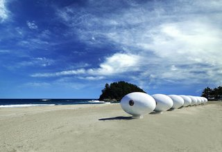 These tiny egg-shaped cabins are mounted onto small podiums to keep them stable.