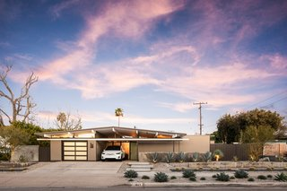 A Handsomely Updated Eichler in Southern California Wants $1M