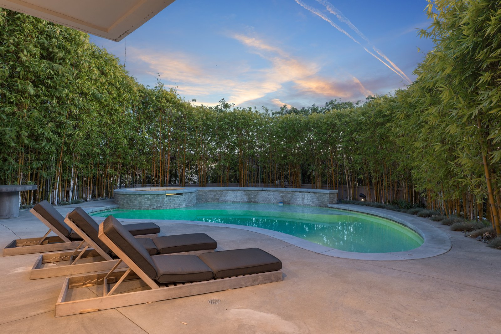Photo 11 of 12 in Harry Styles Lists His Luxe Los Angeles Villa For ...