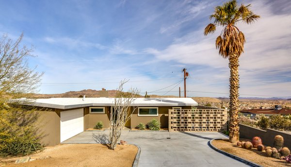 Grab This Cozy, Updated Midcentury Getaway in Joshua Tree For $379K
