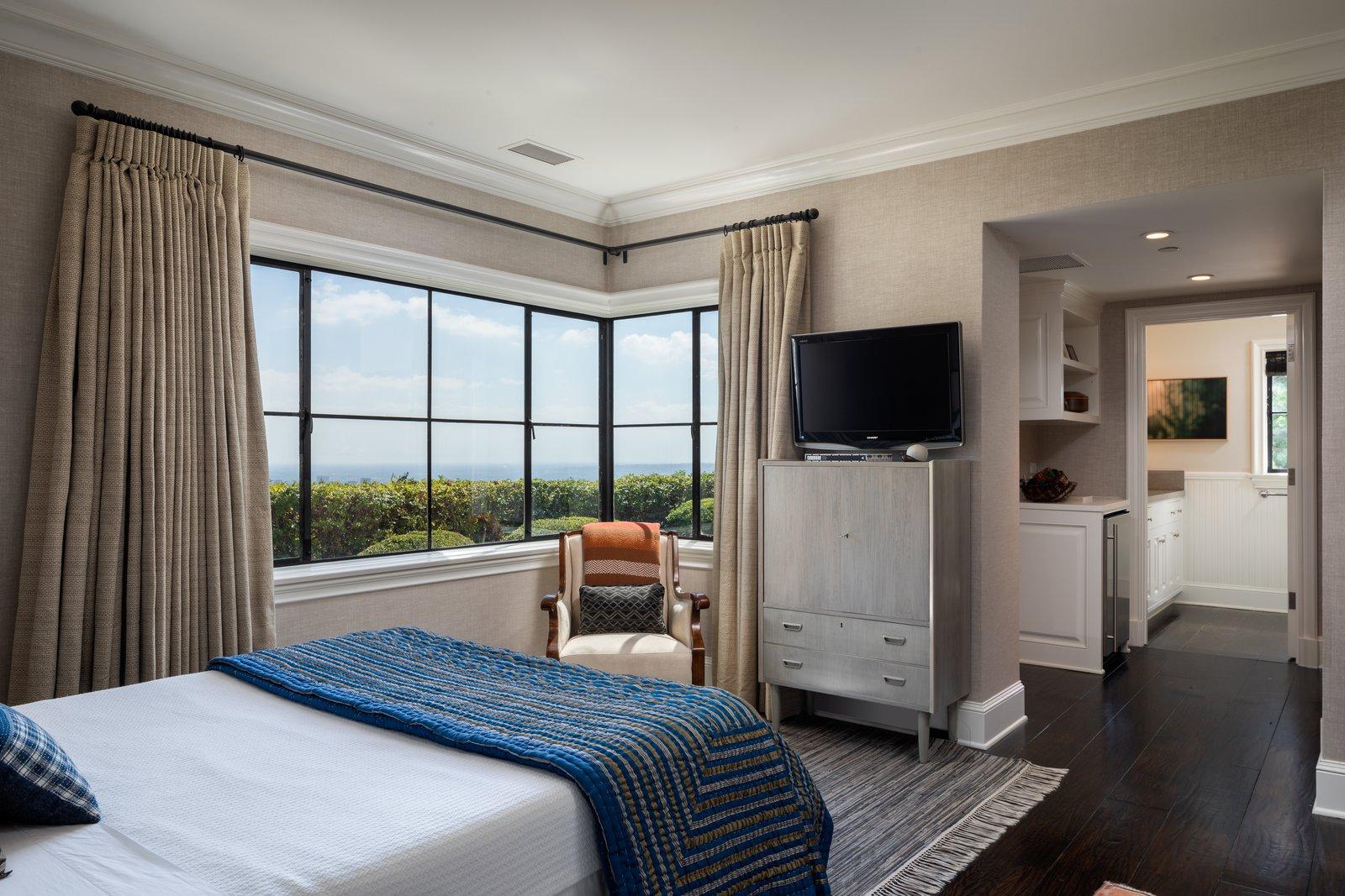 Jodie Foster Beverly Hills home bedroom