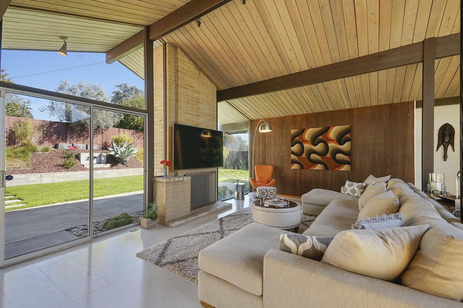 8050 Shay Drive Oakland Eichler home fireplace
