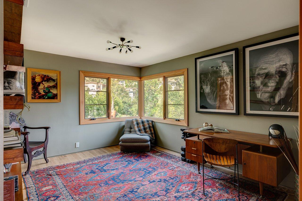 2800 Belden Drive bedroom