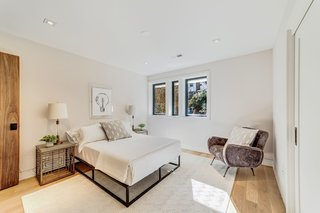 Best 60+ Modern Bedroom Light Hardwood Floors Design Photos And ...