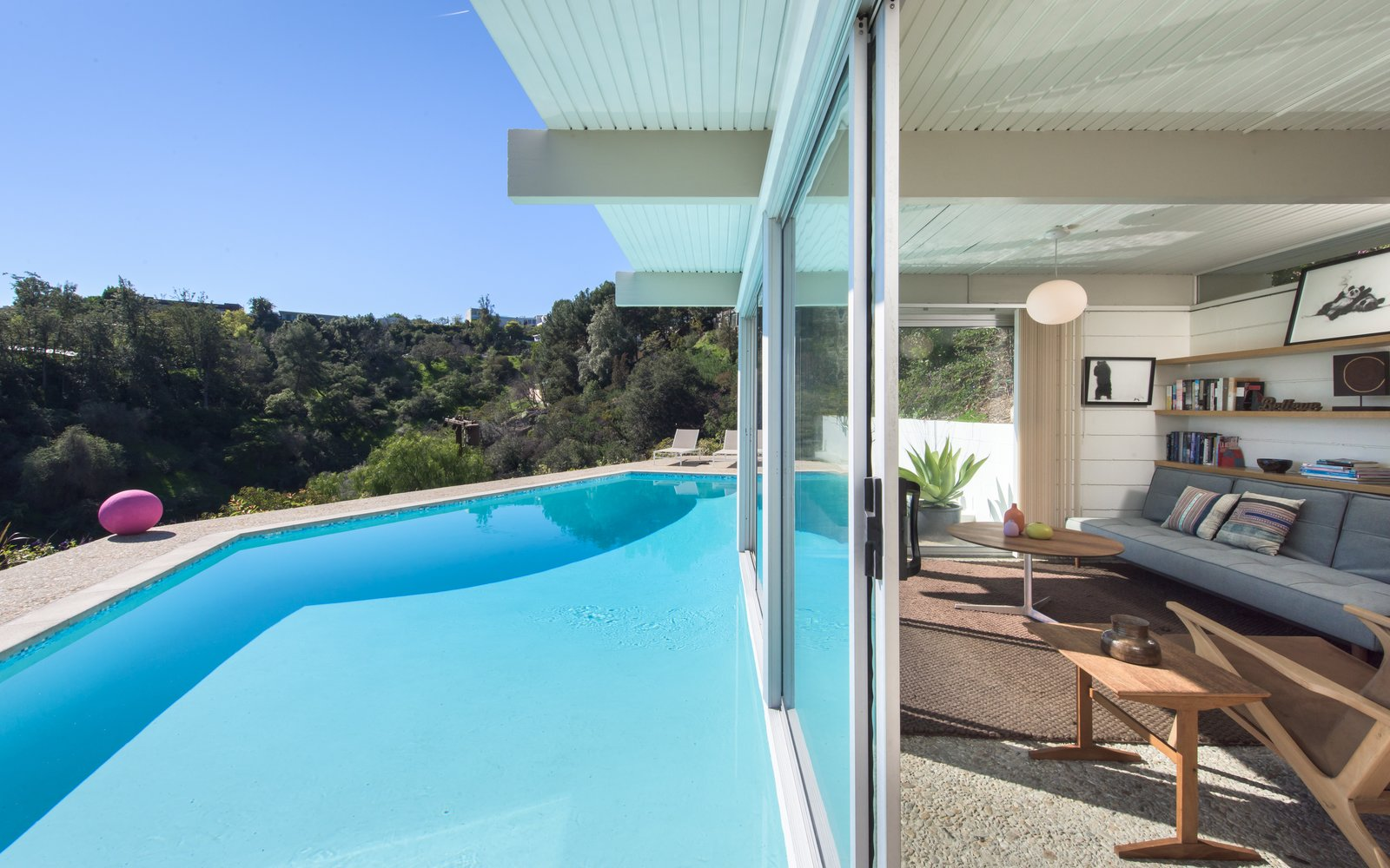 Buff & Hensman Midcentury Home guesthouse