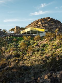 The Cree House as it fits into its rocky desert surroundings. The design recalls details of Villa Savoye, which Frey worked on while training under Le Corbusier.