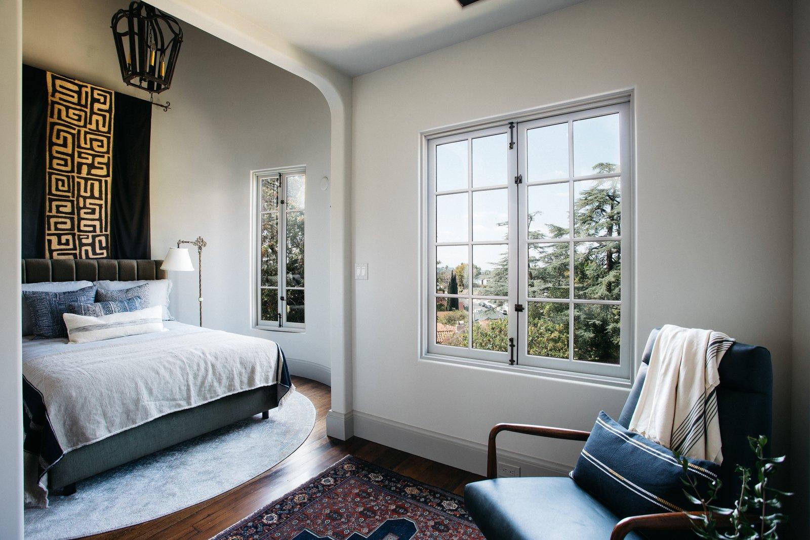 5222 Monte Bonito Drive turret bedroom