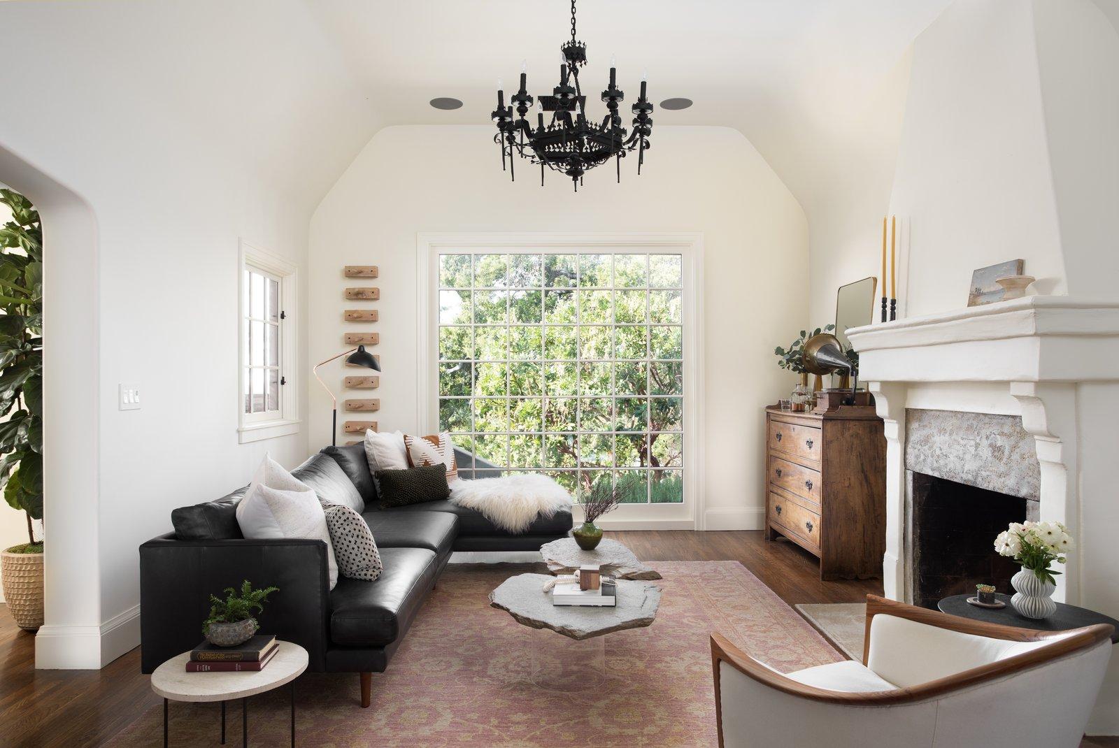 5222 Monte Bonito Drive Emily Henderson living room
