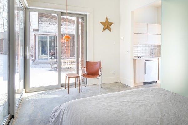 291 Bedroom Concrete Floors Design Photos And Ideas