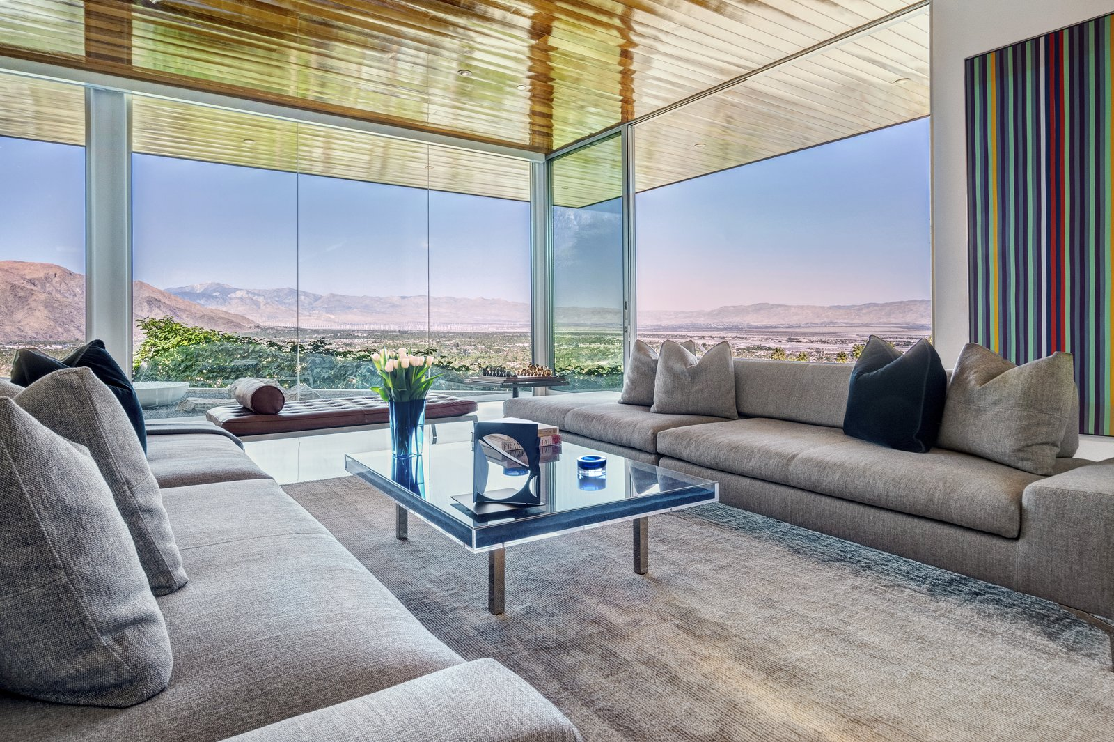 Southridge Drive by O2 Architecture living room