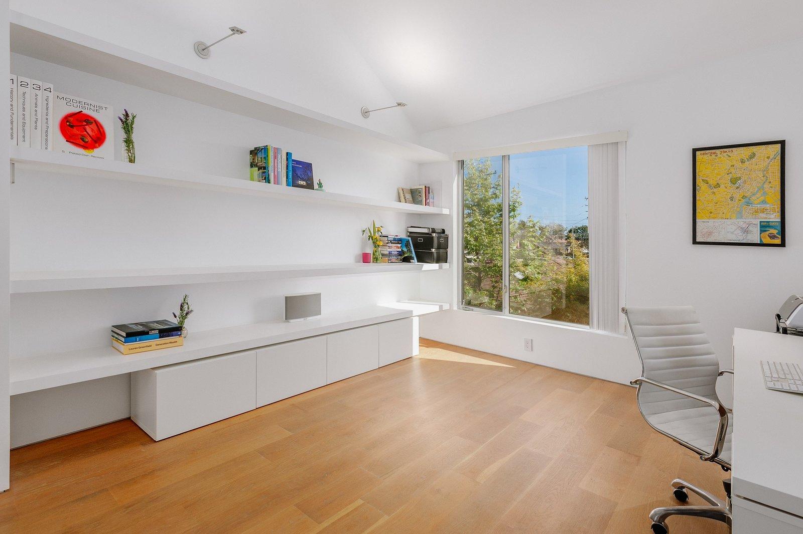 Monokuro House office