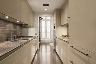 Here is a look at the bright, contemporary kitchen.