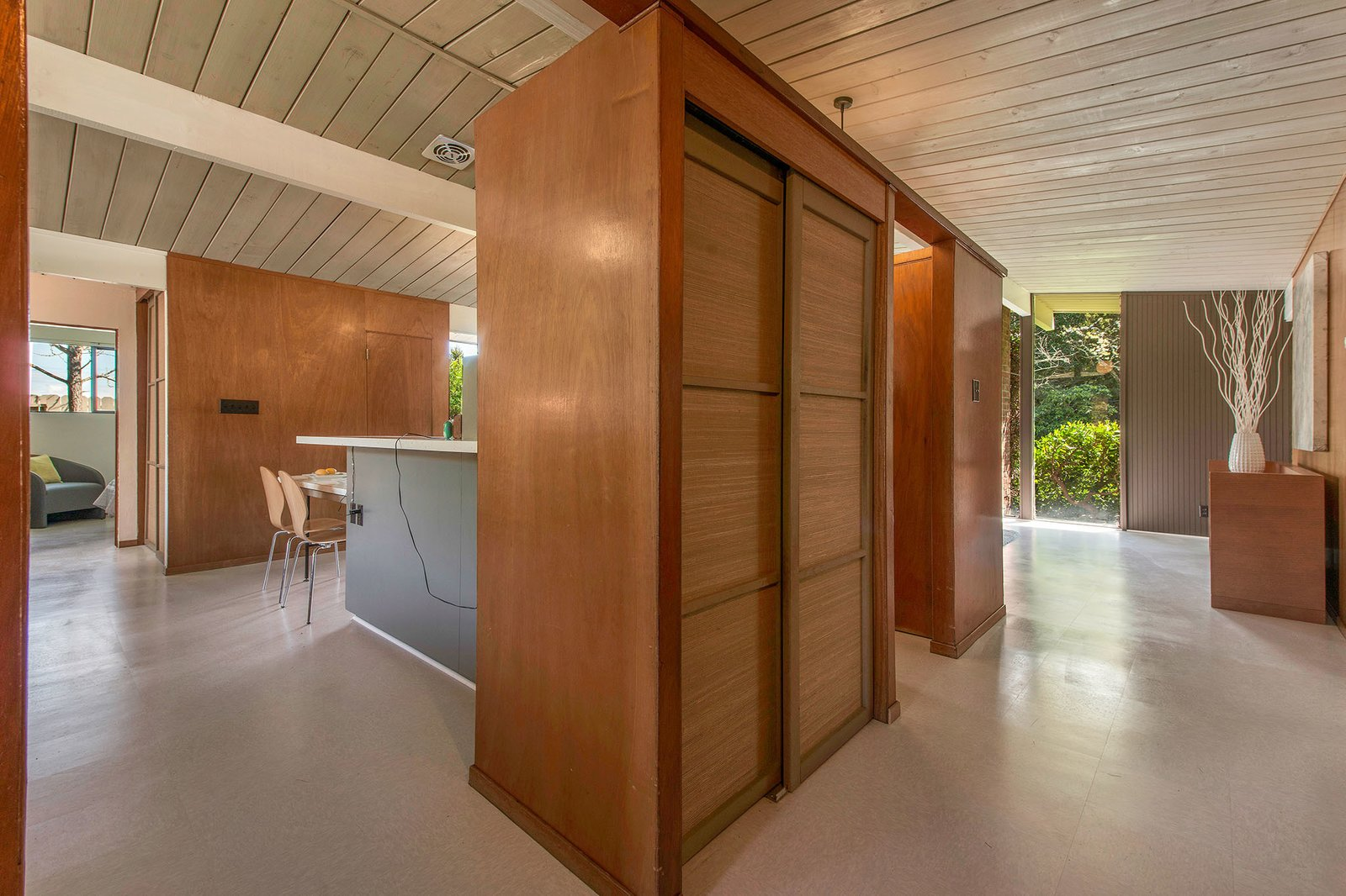 Photo 3 Of 13 In An Eichler Full Of Original Details And Midcentury Charm Lists For 1 2m Dwell