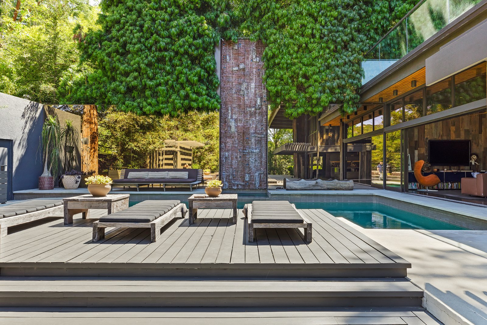Ajioka House pool deck