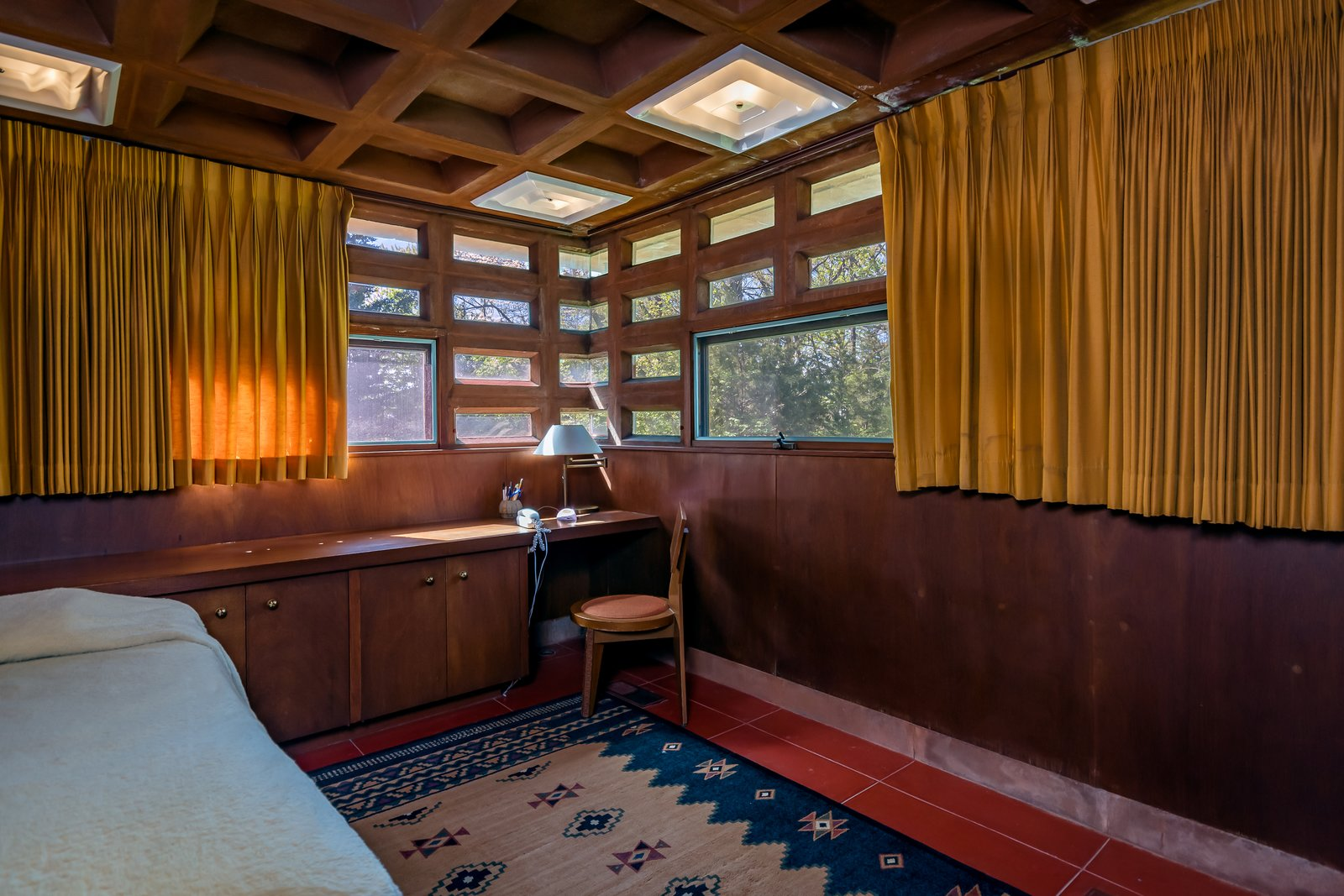 Frank Lloyd Wright Pappas House bedroom