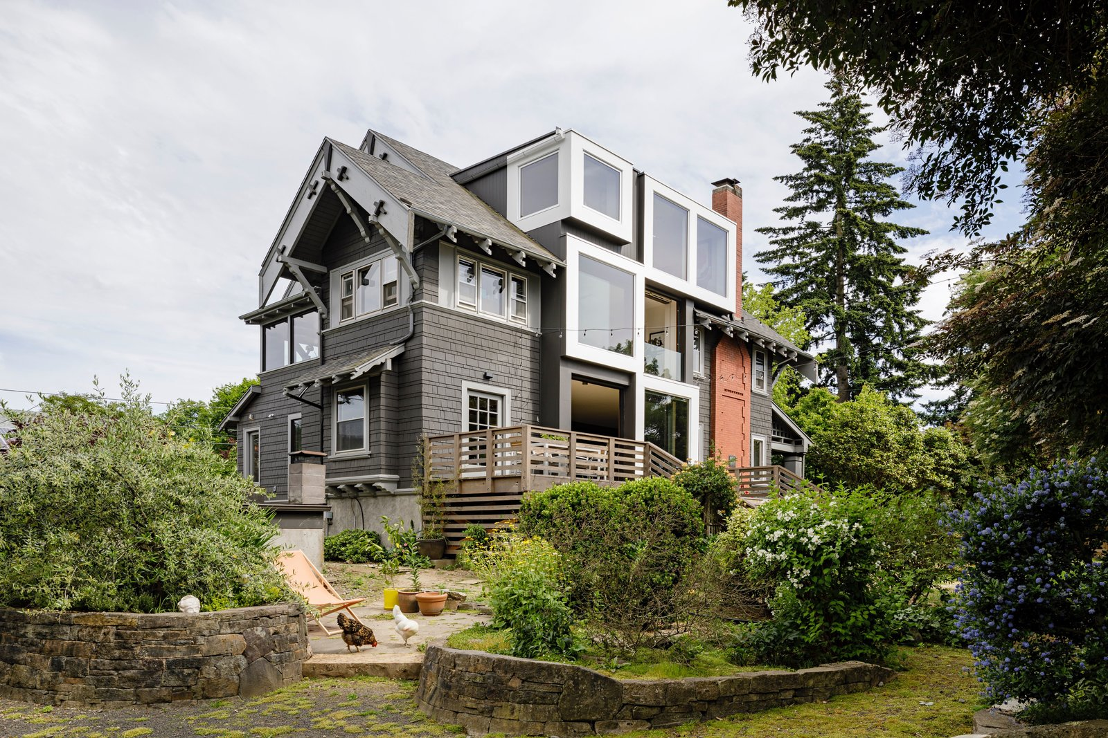 """Before & After: A Mullet Renovation Fills a Portland """"Super Bungalow"""" With Daylight"""