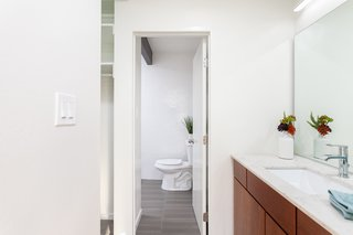 The ensuite master bath means that you can make a beeline for the shower after swimming.