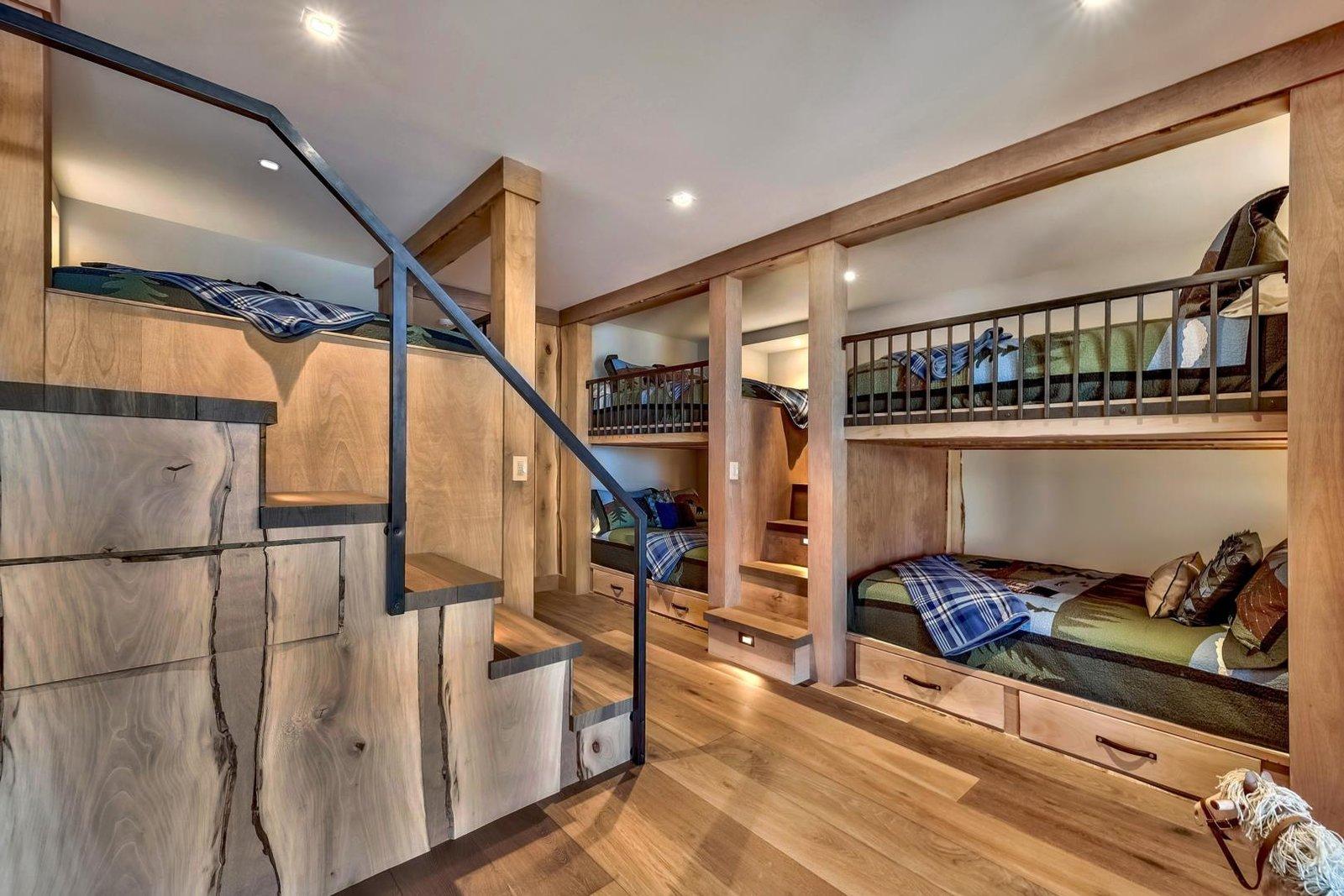 Villa Harrah bunk beds