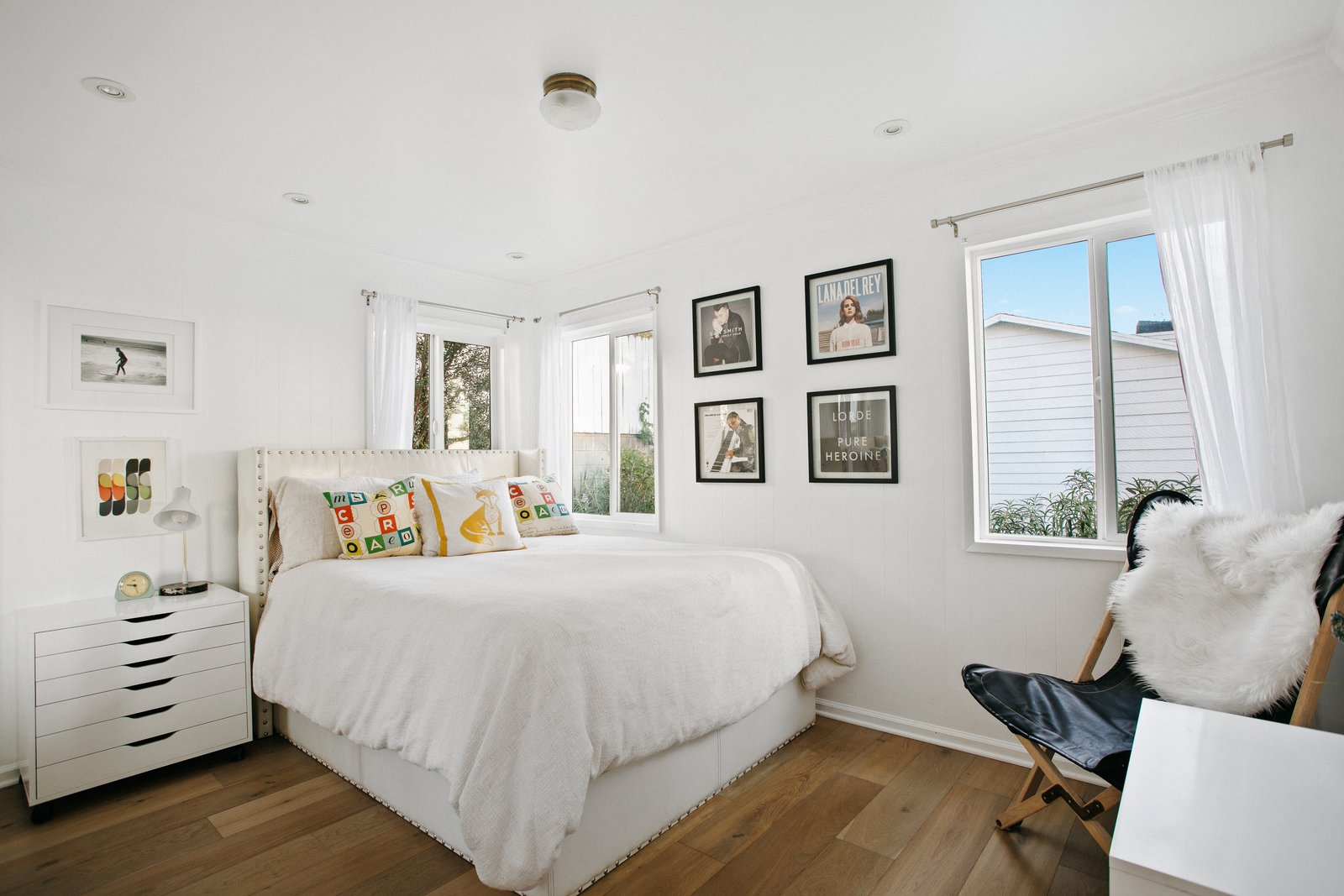 L.A. compound real estate bedroom