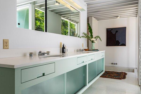Best 10 Modern Bathroom Terrazzo Floors Enclosed Showers