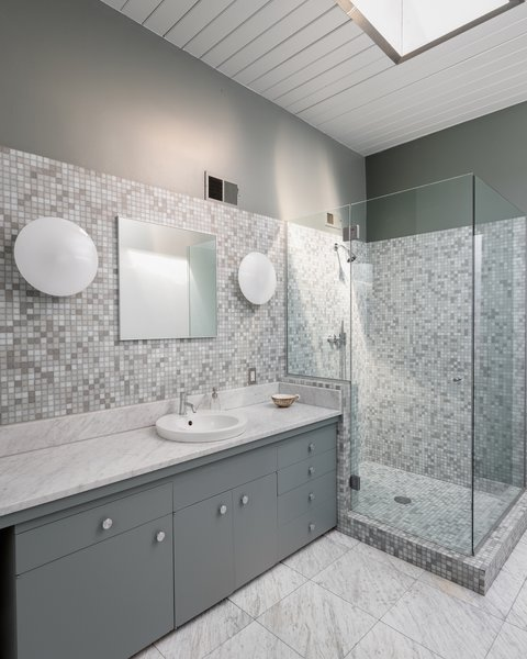 Modern Bathroom Mosaic Tile Walls