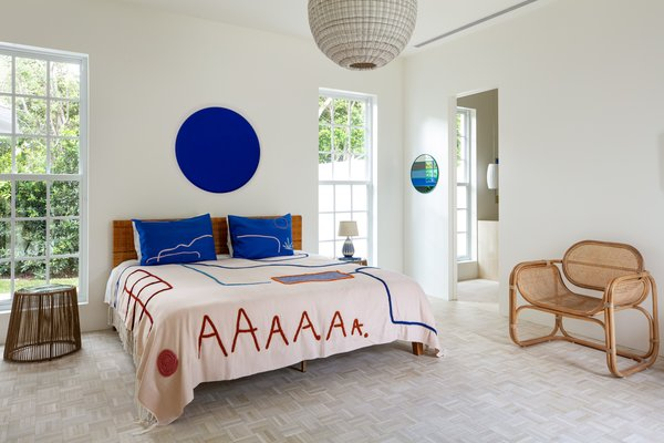 This artful bedding exemplifies the free-form shapes motif that's popping up on everything from bathmats to wallpaper.