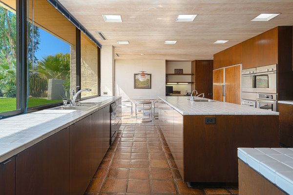 Best 60+ Modern Kitchen Ceramic Tile Floors Design Photos ...