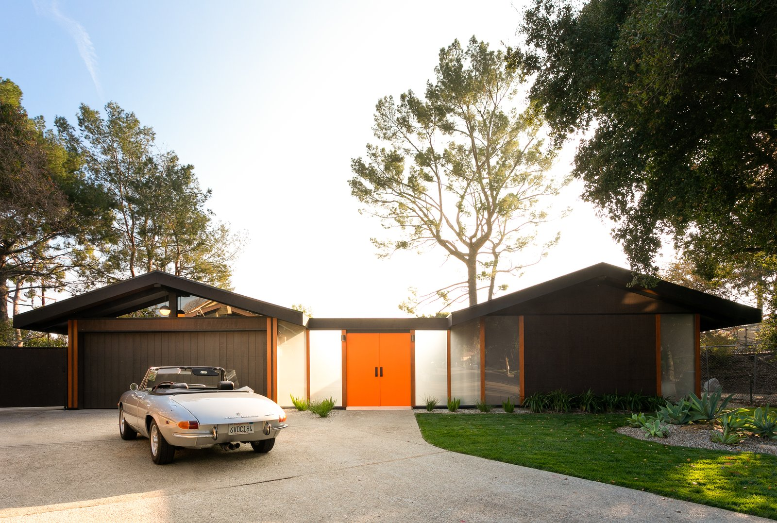 A Rare and Restored 1967 Post-and-Beam in South Pasadena Hits the Market for $2.25M