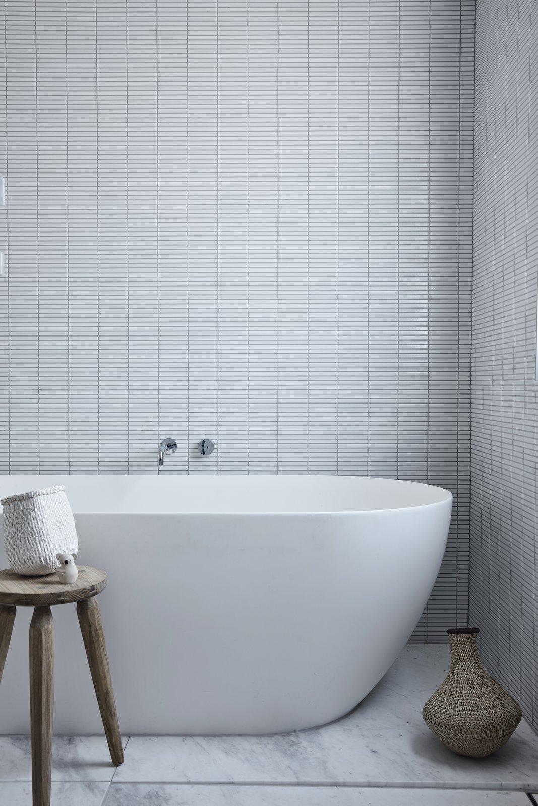 Scandizzo House Kennon+  bathroom bathtub