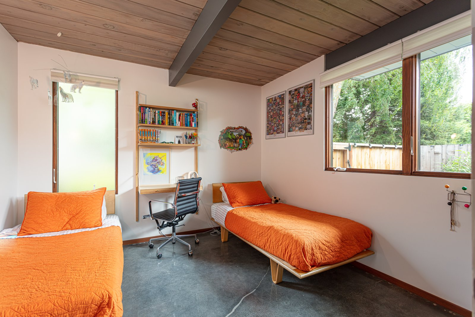 Walnut Creek Super Eichler bedroom
