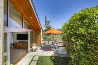 This Los Angeles Midcentury Home Is a Live/Work Dream for $1.8M