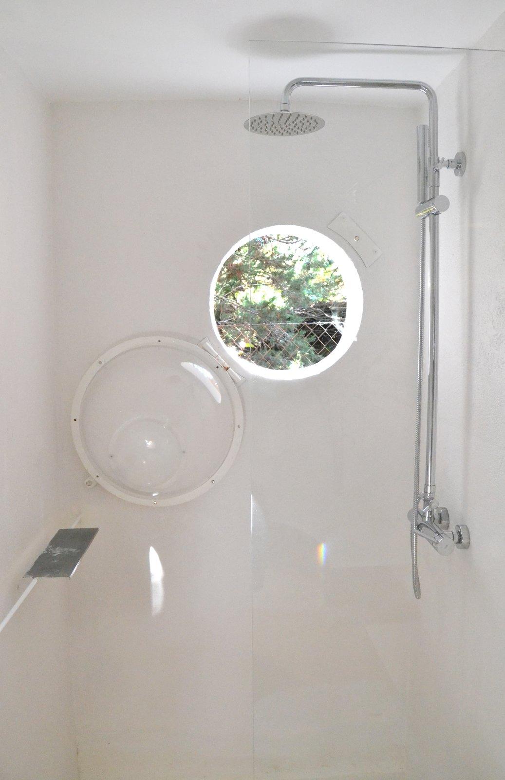 Shower of La Madriguera by delavegacanolasso