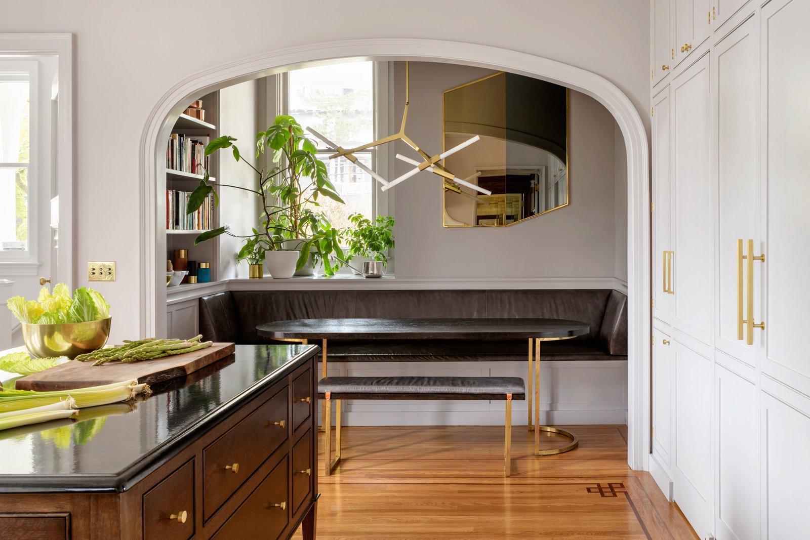 Jessica Helgerson Interior Design Southwest Hills Victorian Banquette Breakfast Nook