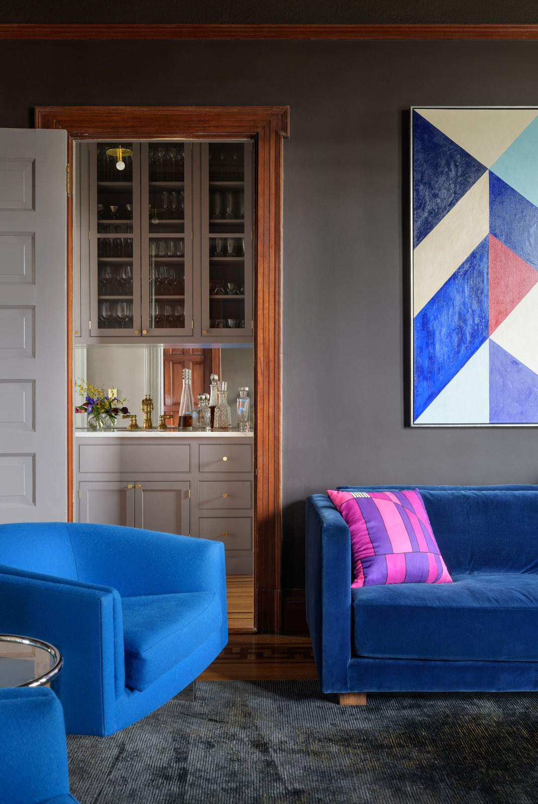 Jessica Helgerson Interior Design Southwest Hills Victorian Family Room Bar