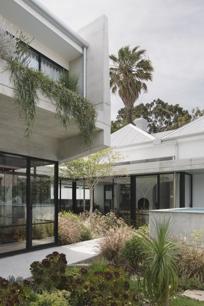 Another key element of the design is the fact that the home's energy is supplied by extensive solar collection and greywater collection, radically reducing the building's energy expenditure.