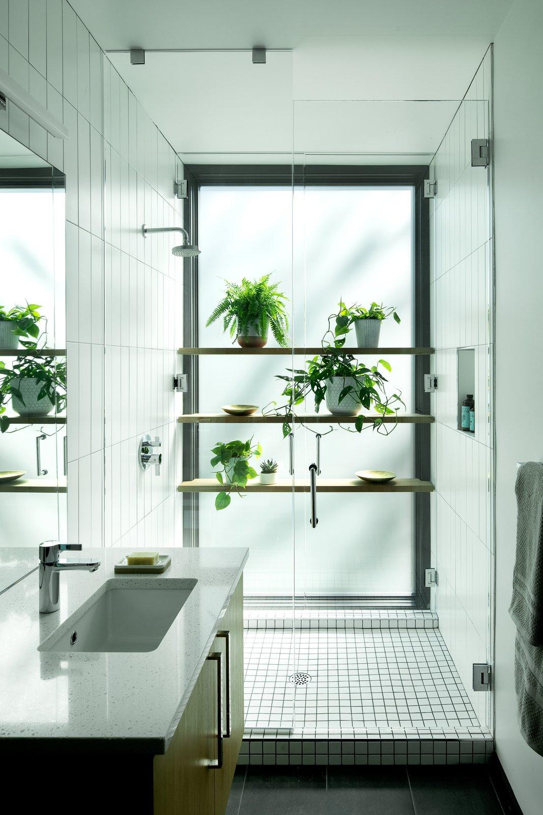William / Kaven Architecture Royal Portland, Oregon Forest Park bathroom